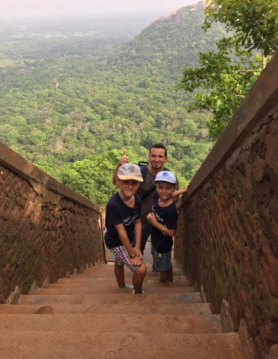Sri-Lanka-s-detmi-pamiatky-36