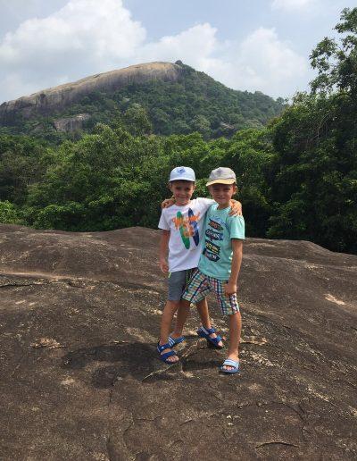 Sri-Lanka-s-detmi-pamiatky-a2