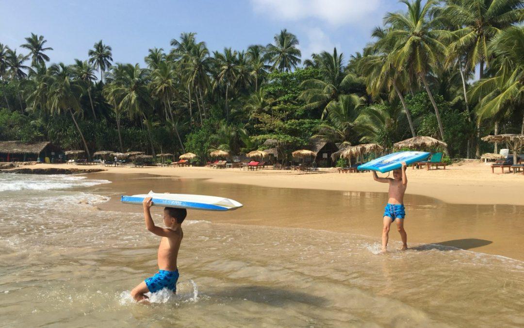 Srí Lanka s deťmi – časť 1 – pobrežie, surfovanie a korytnačky